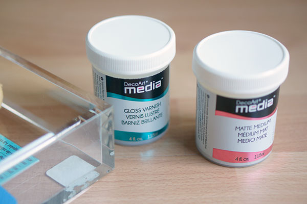 Matte media and gloss varnish containers